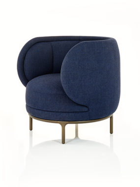 Vuelta Fauteuil in Stoff